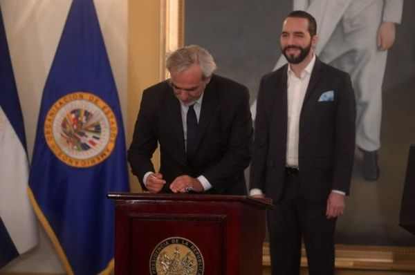 President of the Republic Nayib Bukele and Luis Porto of the Organization of American States (OAS) announced the installation of the technical mission of the International Commission Against Impunity in El Salvador / Photo Marcela Moreno