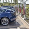 Tesla app (tevens autosleutel) offline: bestuurders kunnen auto niet in