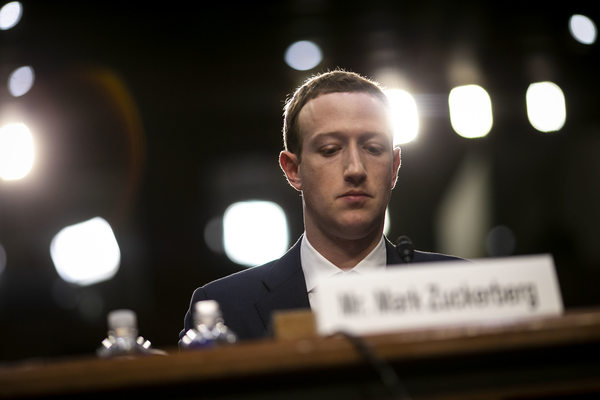 Facebook warns about iPhone privacy change that could unsettle Facebook users