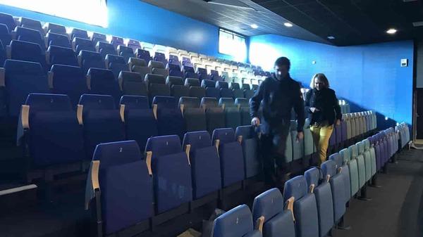 Bondues : une salle remise à neuf - Nieuwe theaterzaal in Bondues