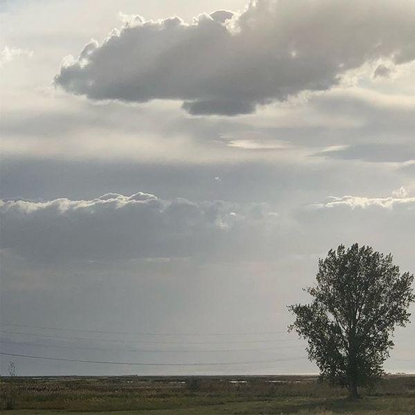 Dramatic evening sky over Utah lake this week insta: @robertmerrill