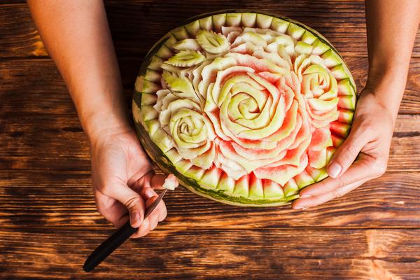 Hoe een watermeloen een kunstwerk wordt.....