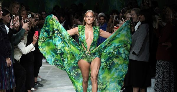 Google and Jennifer Lopez reinvent the Versace dress that created Google Images - The Verge
