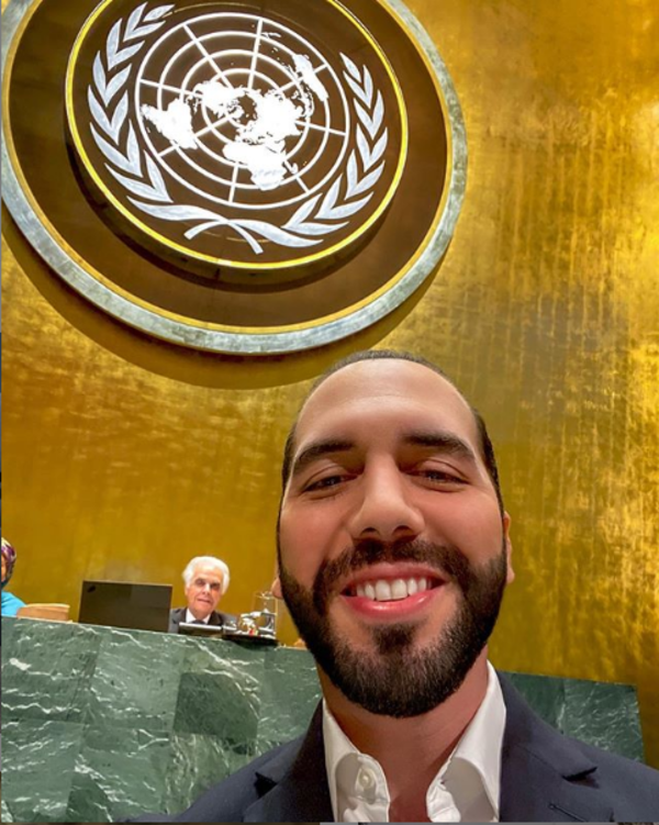 Nayib Bukele's famous selfie at the UN General Assembly, laudable for some, risible for others. Photo from Nayib Bukele's Instagram account.