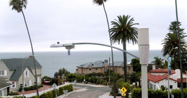 'Smart' streetlights in San Diego
