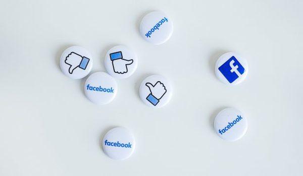 Facebook test verbergen van likes om einde te maken aan populariteitswedstrijd