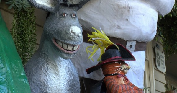 Central Coast Living: Cambria Scarecrow Festival kicks off its 11th year of community artwork