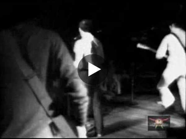 Buzzcocks - Boredom. Rare 1980 video Boston USA - audio better than Spiral Scratch version!