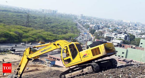 Trommel machines begin war on Delhi's garbage mountains