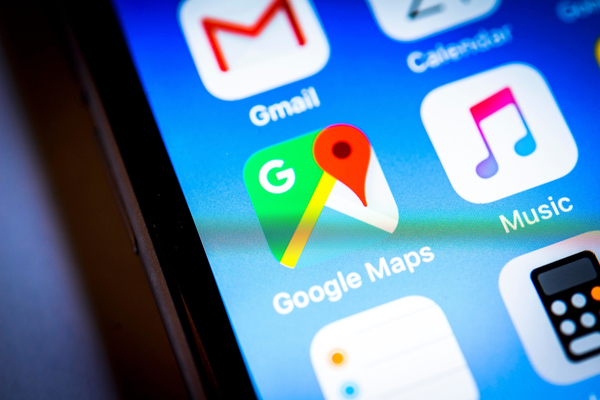 The best Waze feature is now available in Google Maps for iPhone