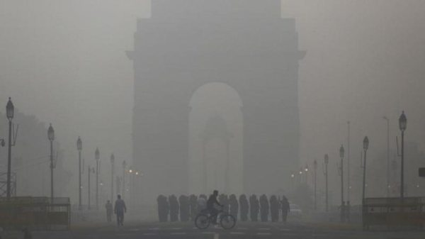Delhi's air quality poor, CM Arvind Kejriwal asks citizens to brace for impact