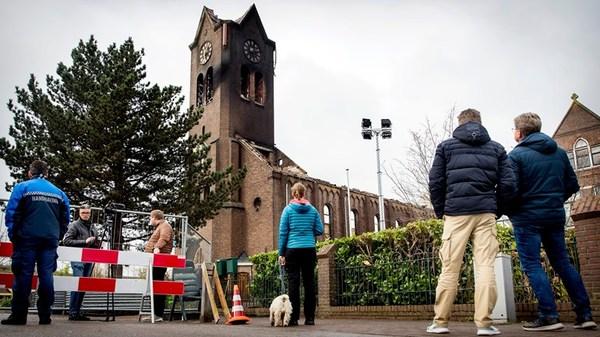 Verzekeraar: kerk kan herbouwd worden, maar parochie moet zelf beslissen