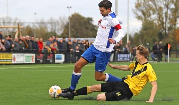 Ameide blijft de baas over SV Meerkerk in derby met alles erop en eraan: vuurwerk, rode kaarten maar ook vechtpartijen