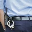 Man (50) staande gehouden voor bellen én rijden onder invloed