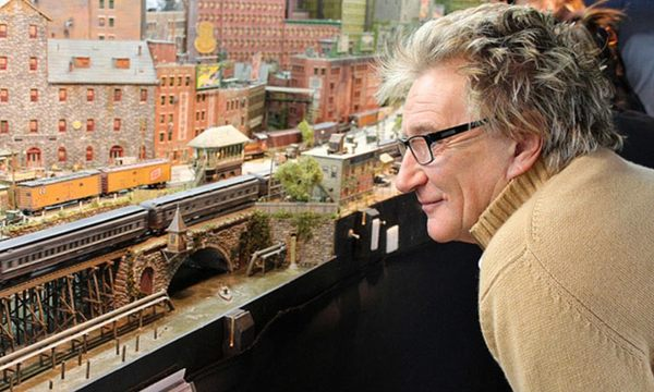 Rod Stewart's secret hit track! After 26 years, the rocker reveals his completed model railway