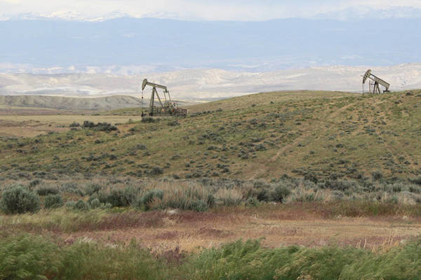 U.S. suspends more oil and gas leases over what could be a widespread problem