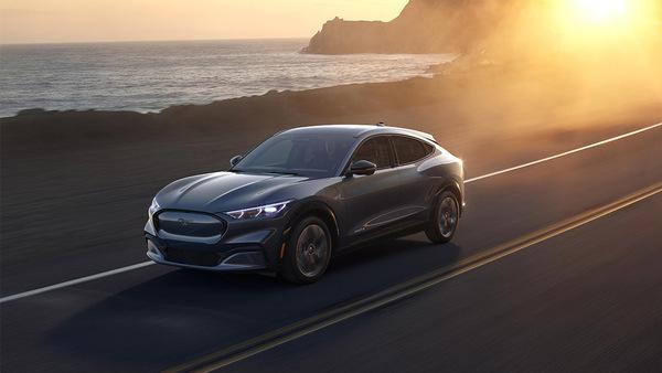 Tesla-killer: Ford presenteert 'betaalbare' elektrische Mustang Mach-E SUV