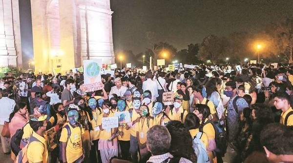 Two demands at India Gate protest: Clean air, accountability from PM, CMs