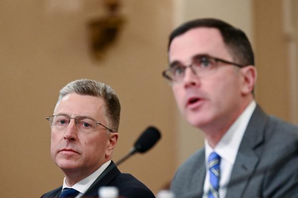 Kurt Volker en Tim Morrison getuigden afgelopen dinsdag (foto: Reuters)