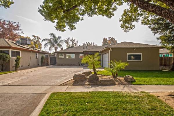 3358 E Holland Avenue Fresno,CA 93726 Three Bedrooms|Two Bathrooms 1620 Sq Ft