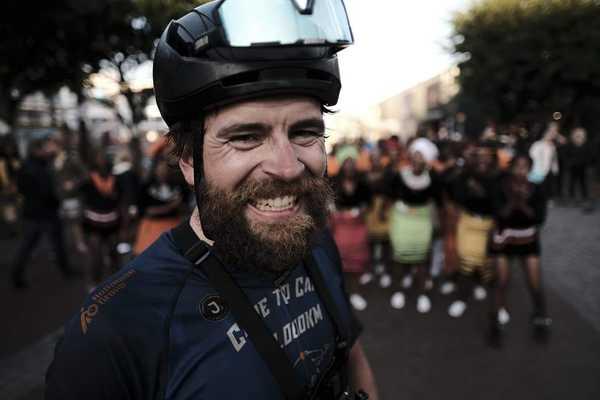 Jonas breaks 18,000km Cape to Cape record by 30 days