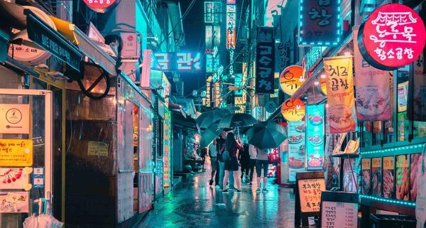 Seoul Streets. Photo by Steven Roe on Unsplash