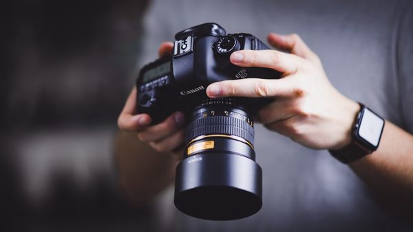 Foto-opsporingsdienst ANP zwaait grif met boeteboekje