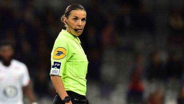 Stéphanie Frappart, meilleure arbitre de football du monde
