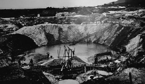 Opencast tin mine, Kampar, Malaysia, 1906. National Museum, Kuala Lumpur.