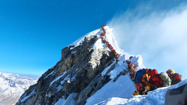 The Viral Photo of Mount Everest: The Untold Accounts of the People Who Were There