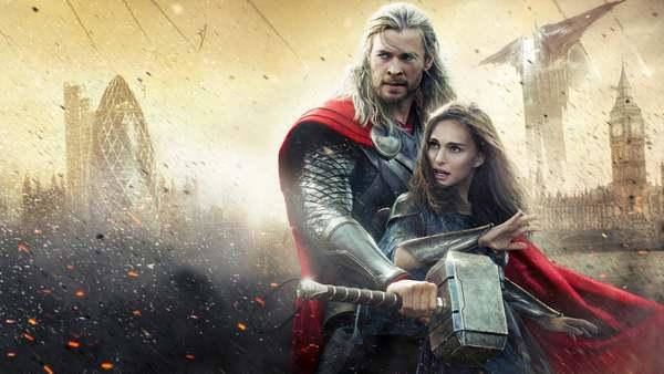 Thor-acteur Chris Hemsworth laat zijn hamer in huis slingeren - WANT