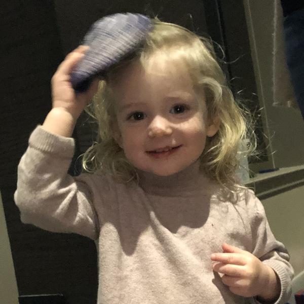 Petra discovered her fondness for Kippahs at a Shabbat dinner. 🕯