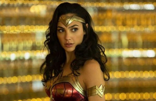 First Wonder Woman 1984 trailer sees Gal Gadot literally ride lightning