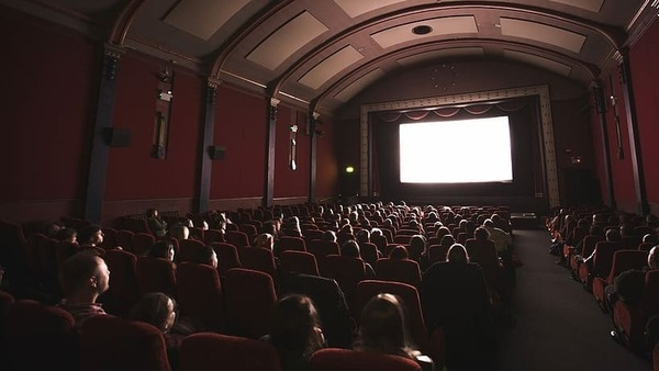 Cinema in France is doing well, but it no longer attracts young people to cinemas | BFMTV