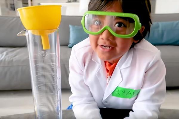 Internet. Le Youtubeur le mieux rémunéré en 2019 est un enfant de huit ans