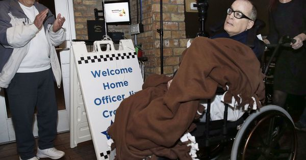 Chicago cop hit by drunk driver finally home for Christmas