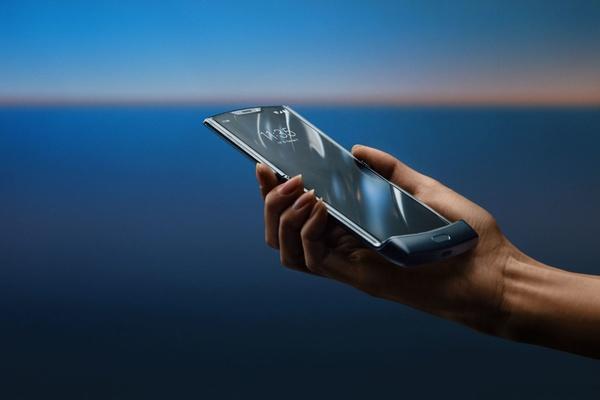 Opvouwbare Motorola RAZR uitgesteld vanwege populariteit - WANT