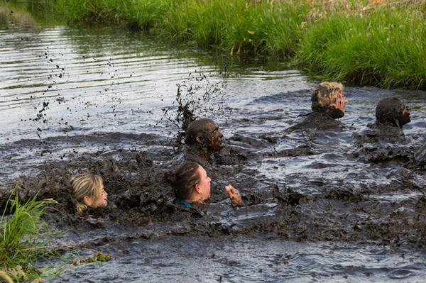 Klik op de middelste modderman om bij het overzicht te komen