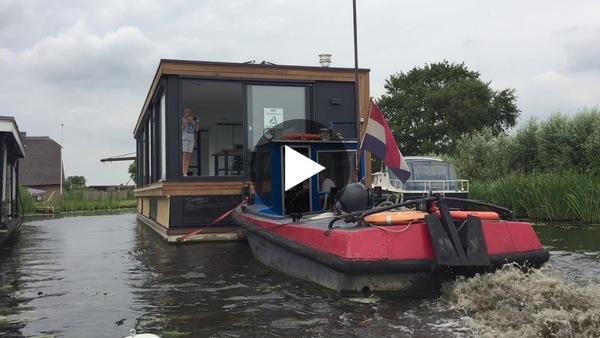 Video van het transport van Muddy Waters van Urk naar Rijpwetering, eerder dit jaar.