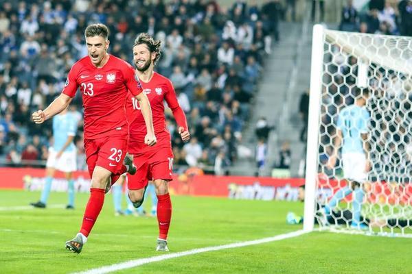 Analiza spadku formy Krzysztofa Piątka i jego nadchodzącej rywalizacji ze Zlatanem Ibrahimoviciem [6 min]