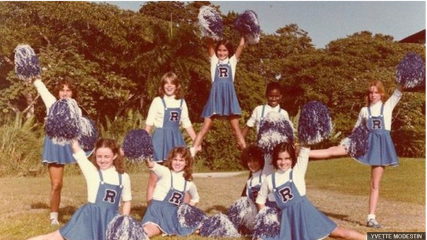 Yvette Modestín was the first black cheerleader for Cristóbal High School, after the end of school segregation in the Canal Zone, Panama. Source: BBC Mundo.
