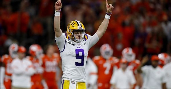 LSU rolls past Clemson to win CFP championship game