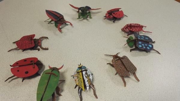 Réalisation d'insectes en carton par les 3PM