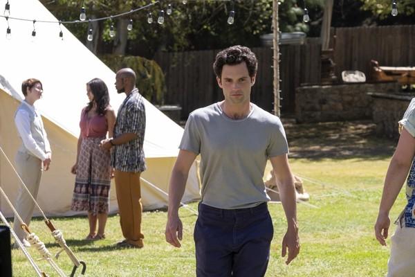 ¿Qué rumbo tomará 'You' en la temporada 3 sin libro en el que basarse?