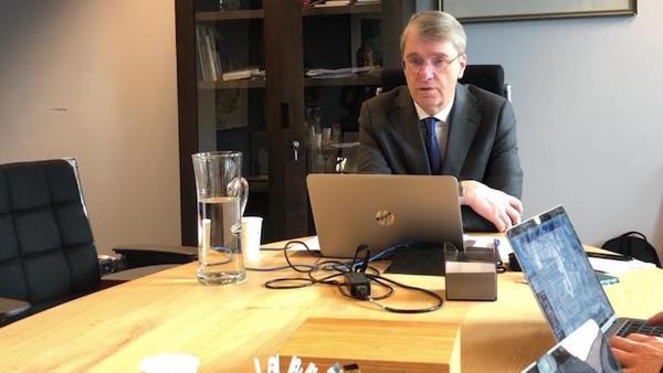 Burgemeester Meerhof: Oostzaan gaat weer met OFC om tafel (fimpje) | De Orkaan
