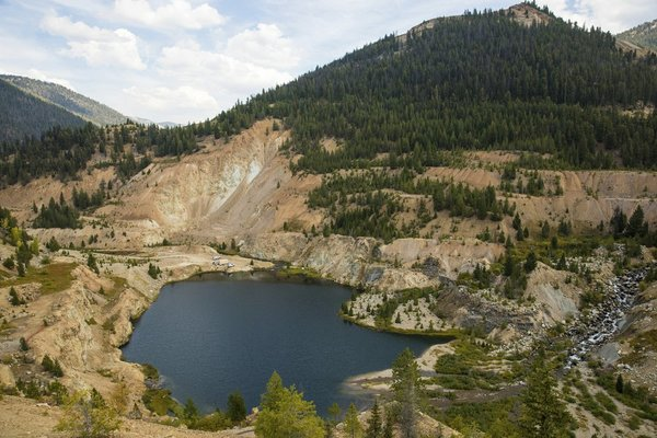 U.S. lawmakers want answers about Idaho gold mine process