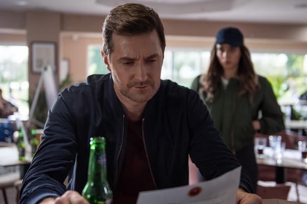 Qué es 'No hables con extraños', la nueva miniserie de Netflix