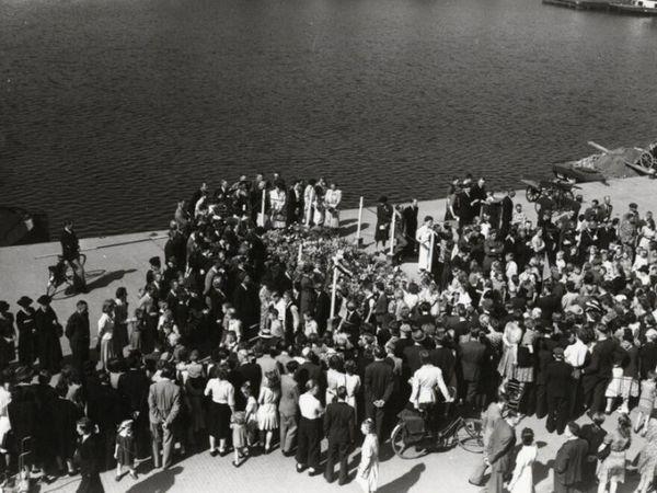 75 jaar geleden: 10 mannen doodgeschoten op De Burcht | De Orkaan