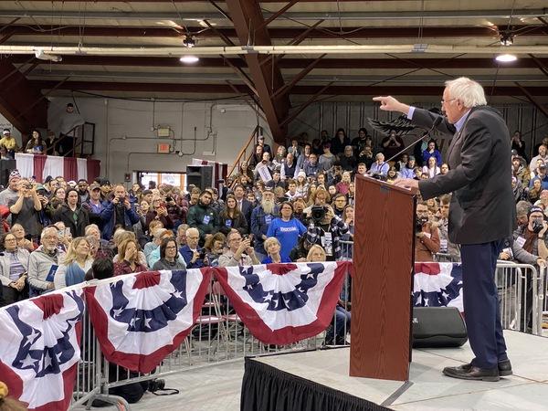 Bernie Sanders op een campagnebijeenkomst in Rindge, New Hampshire (foto: Arjen van der Horst)