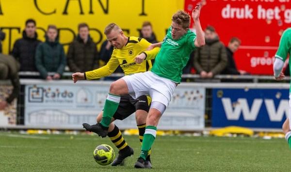VVAC wint beladen -en buiten de lijnen onrustige- derby van Groot-Ammers